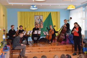 Znalezione obrazy dla zapytania: koncert filharmonii kaliskiej lisków